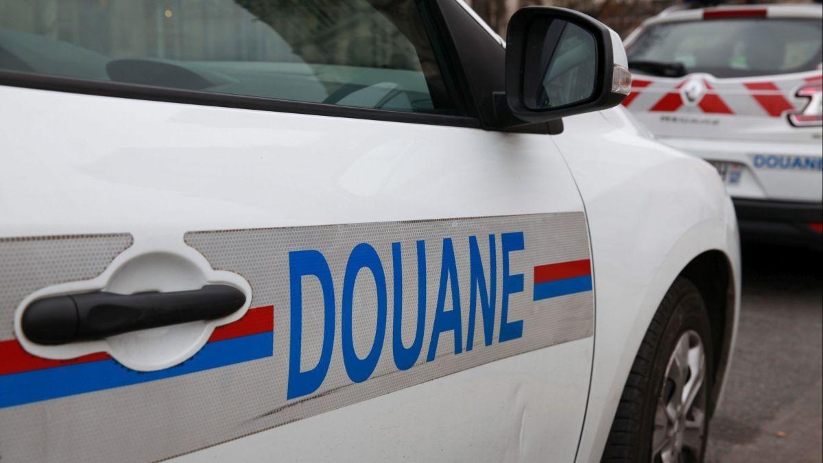 vehicule_douanes-3477951