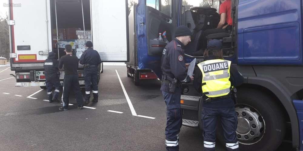 ce-mercredi-le-controle-des-douanes-sur-l-a63-a-ete-effectue-sur-l-aire-de-services-de-cestas